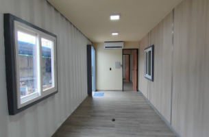 Revetimientos termo acústicos en paredes y techos, colocación de ventanas y puertas, divisiones internas de areas diseñadas.